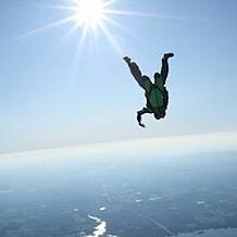 jessica-miller-skydive