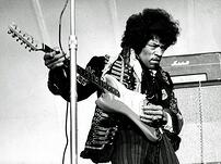 Jimi_Hendrix_1967_uncropped