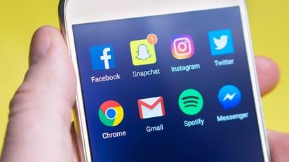 apps-blur-cellphone-533446